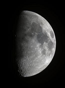 Moon-2016-10-10.jpg