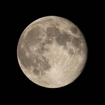 Moon2019-4-20.jpg